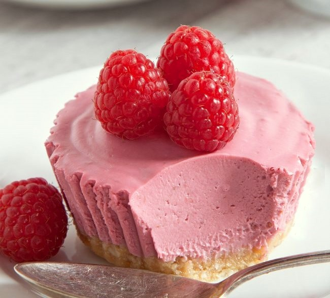 Quick Raspberry Cream Pies (15-Minute Recipe)