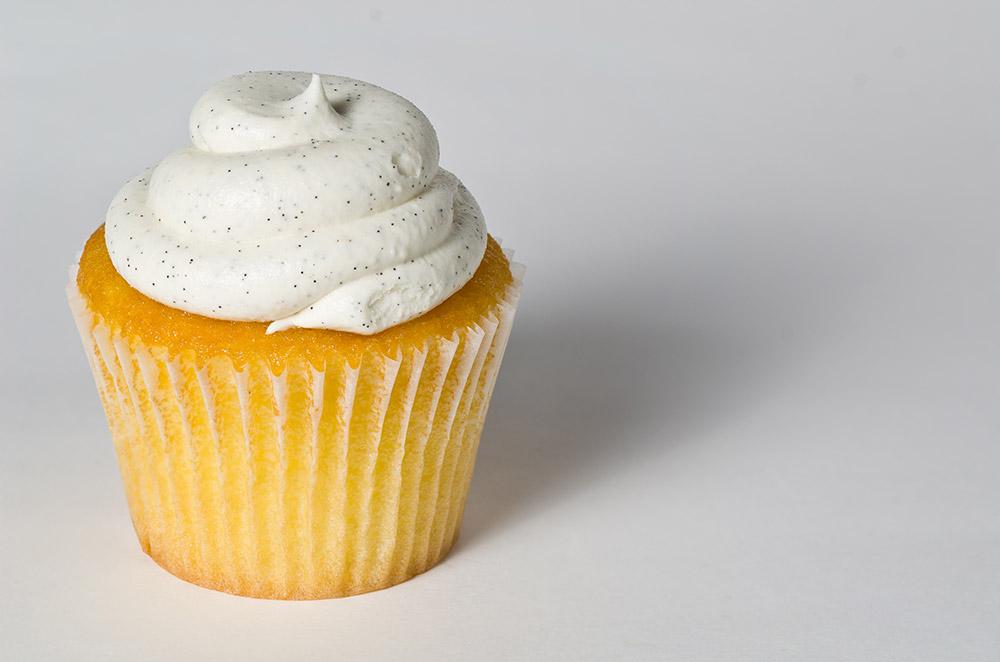 Vanilla Buttercream Frosting (7-Minutes Recipe)