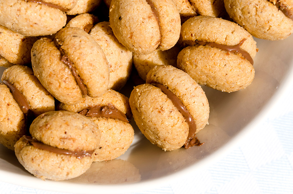 Baci di Dama - Italian Hazelnut Cookies Recipe